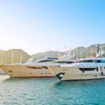 Cruzeiro de luxo particular ao alugar um iate com a Click&Boat