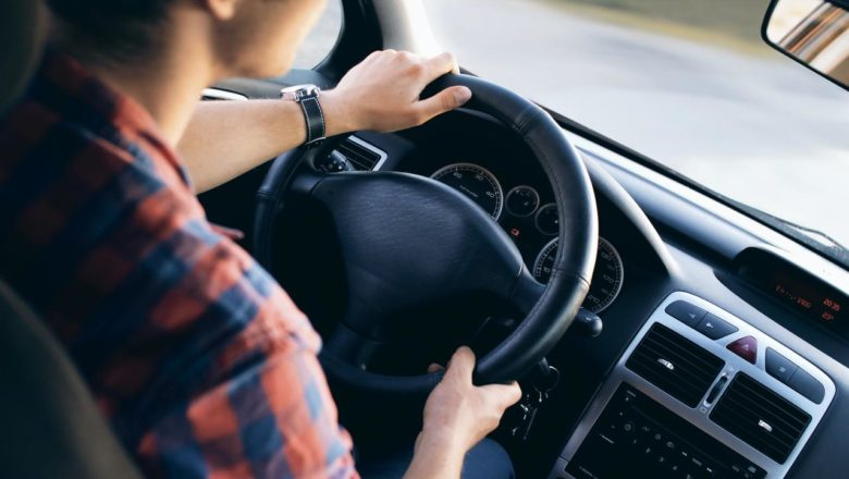 Como poupar com o seguro de automóvel e reduzir a despesa